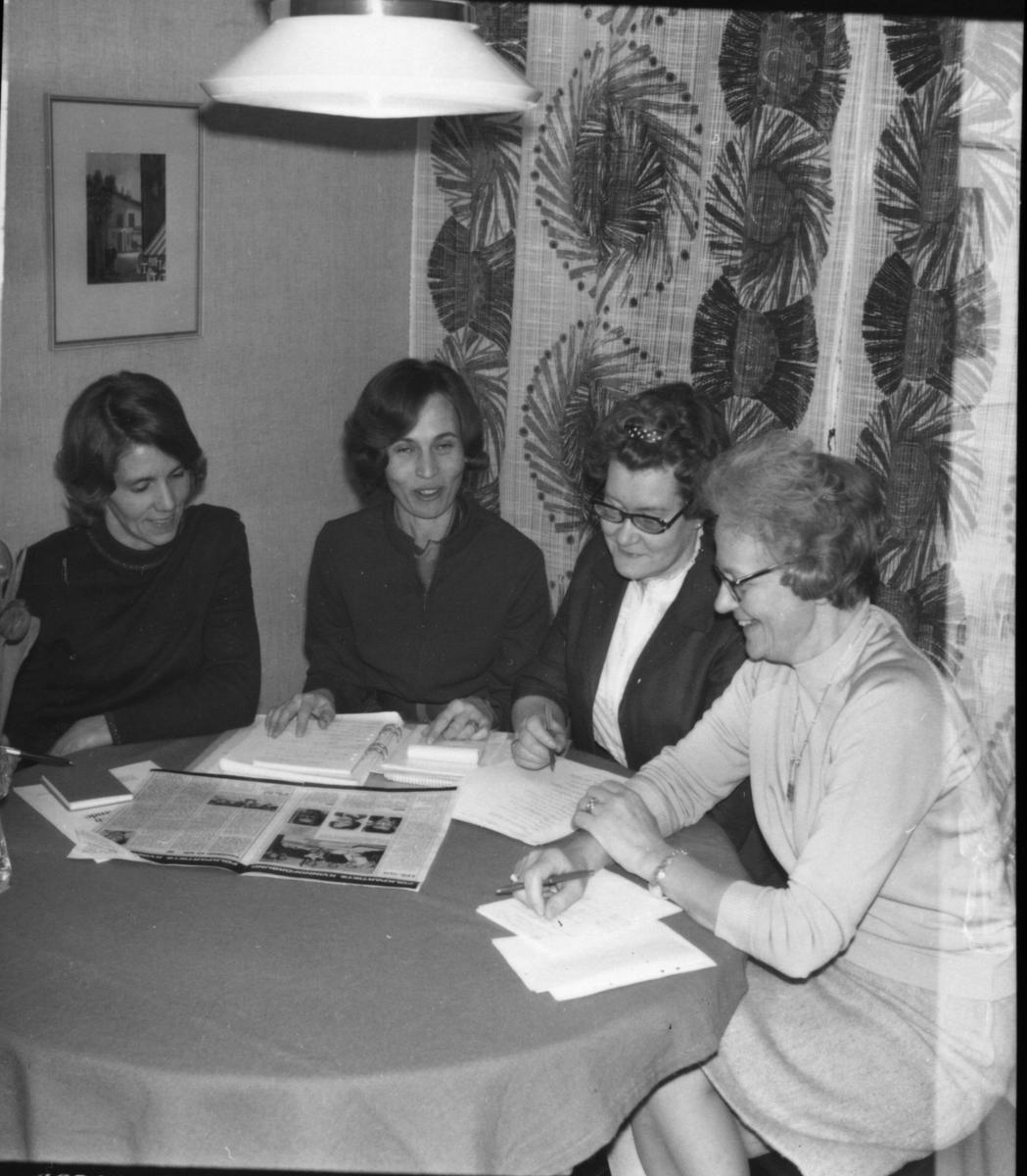 Arbrå, Folkpartiets kvinnor i Arbrå, Mars 1969