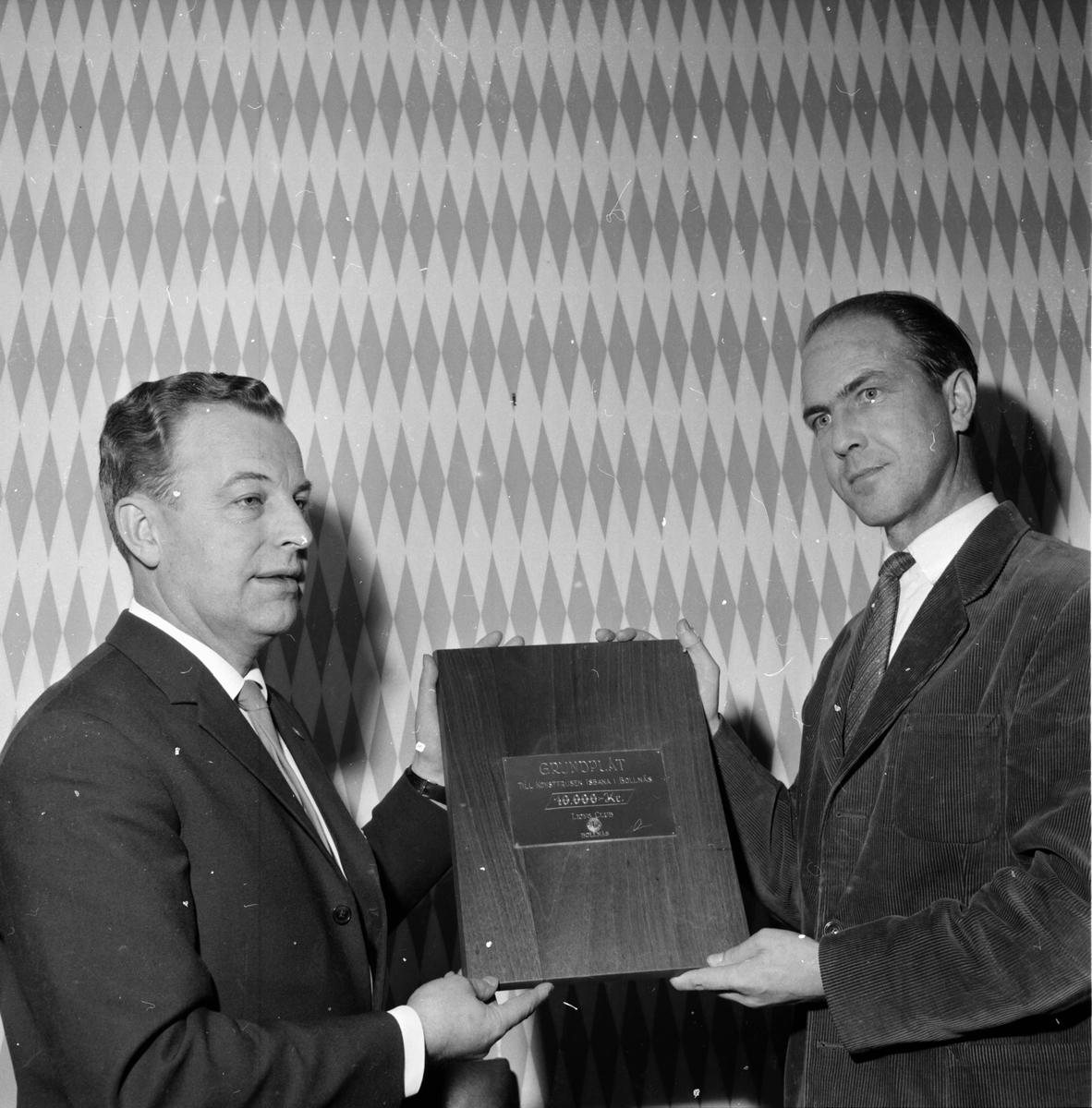 Lions Isbanecheck överkämnas 3 dec 1961