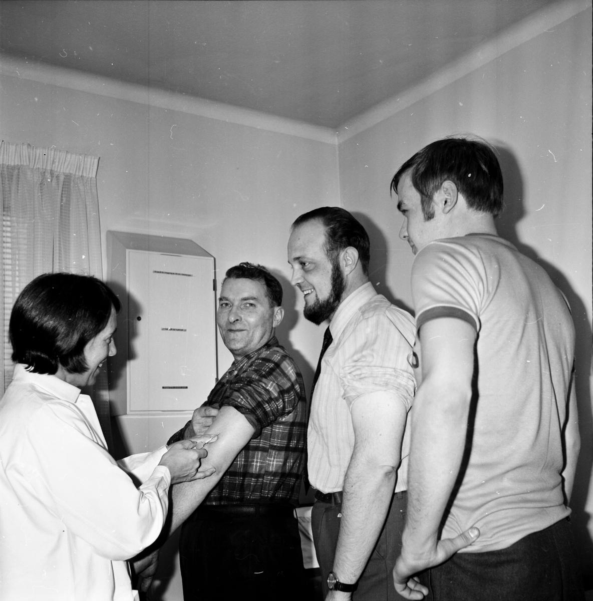 Arbrå, Ny maskin visas på bruks, Okt 1970
