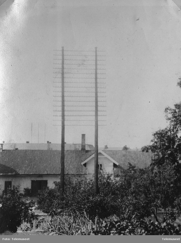 Telefonstolper  bygninger  dobbeltstolpe på lille Frogner