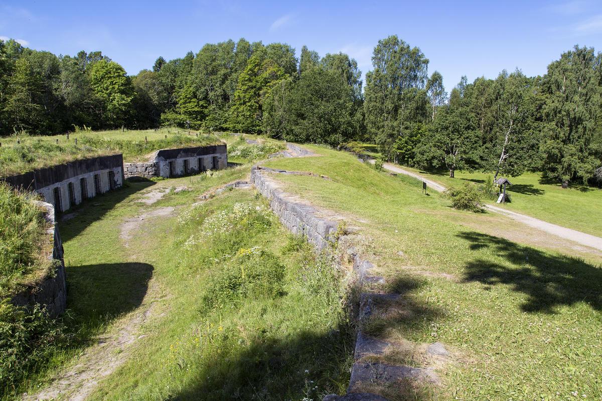 I skogen ovenfor friluftsmuseet ligger Seiersten skanse.