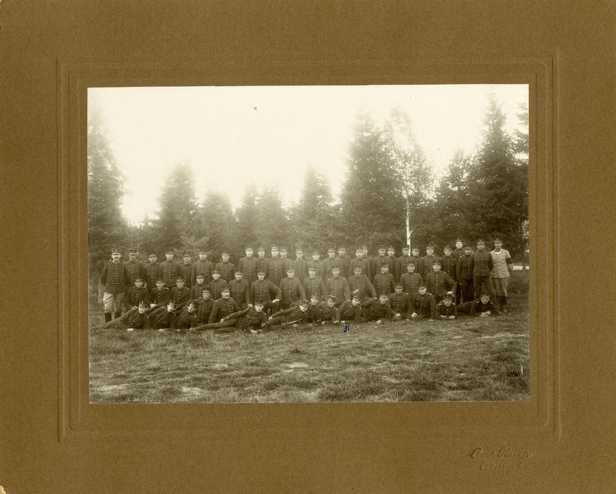 Exercisbild för soldater från Norrlands artilleriregemente A 4, Östersund 1909-1910.