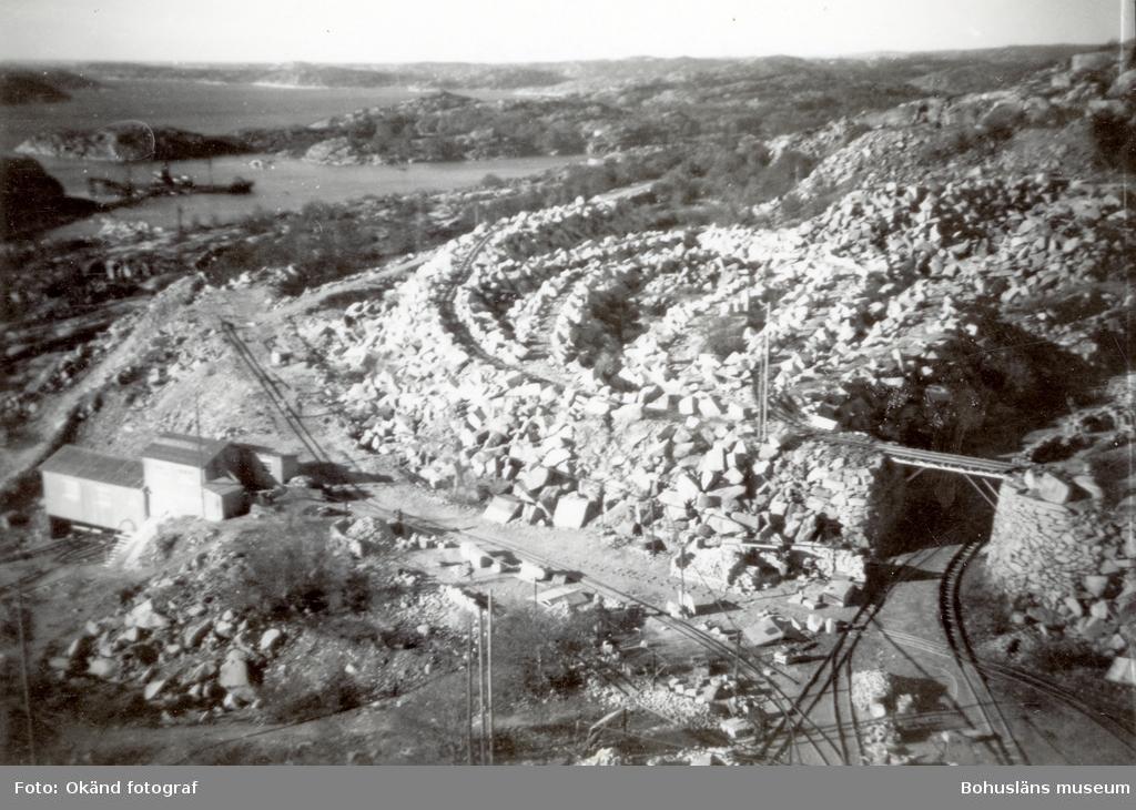 Vy över stenhuggeriområdet på Rixö