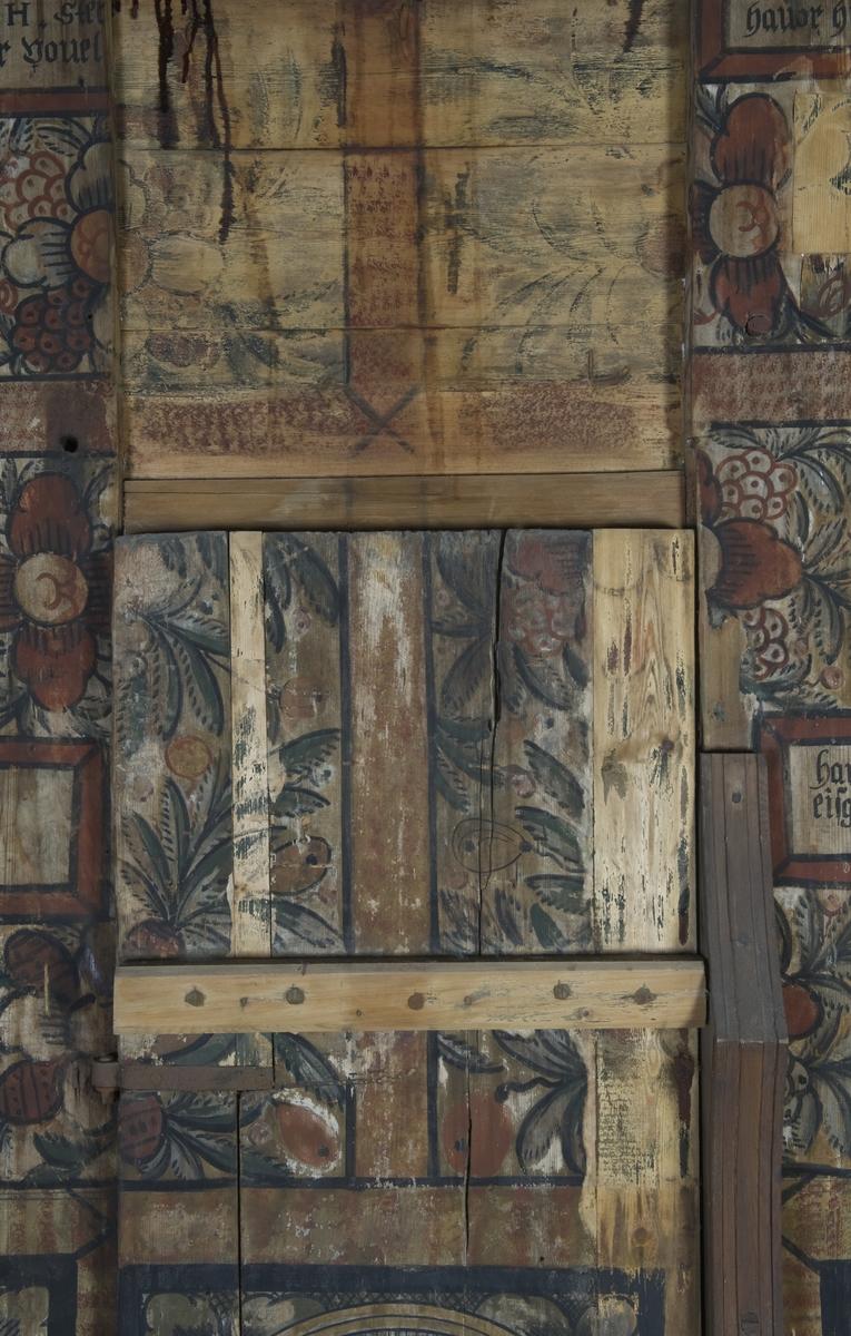 Veggmalerier med religiøse motiver, datert 1652, fra apsis i Gol stavkirke på Norsk Folkemuseum.