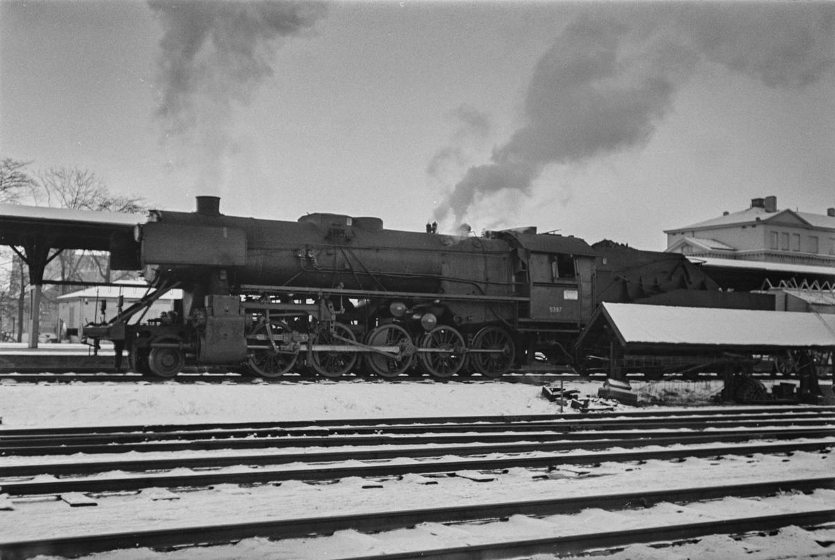 Damplokomotiv type 63a nr. 5397 på Trondheim stasjon.