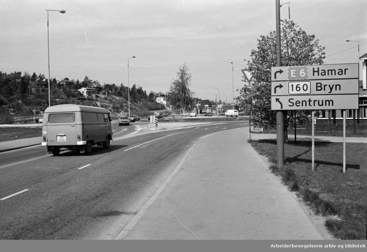 Ryenkrysset ved rundkjøringen. Mai 1977