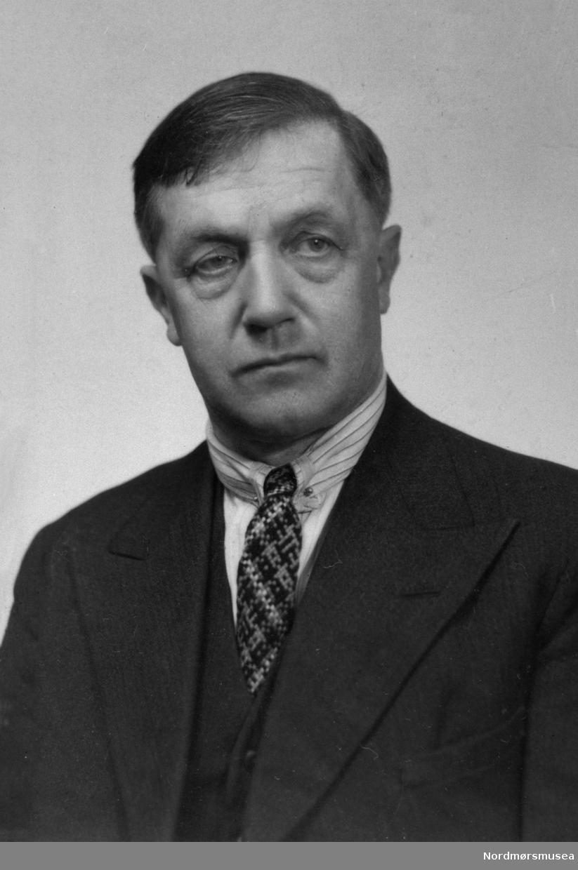 Edvard Bræin (1887-1957), organist, sanglærer, komponist, dirigent, folketonesamler. Organiserte operavirksomheten i Kristiansund i mellomkrigstida. Nordmøre museums fotosamling.