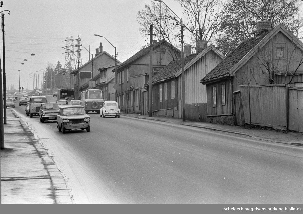 Vålerenga. Strømsveien. April 1970
