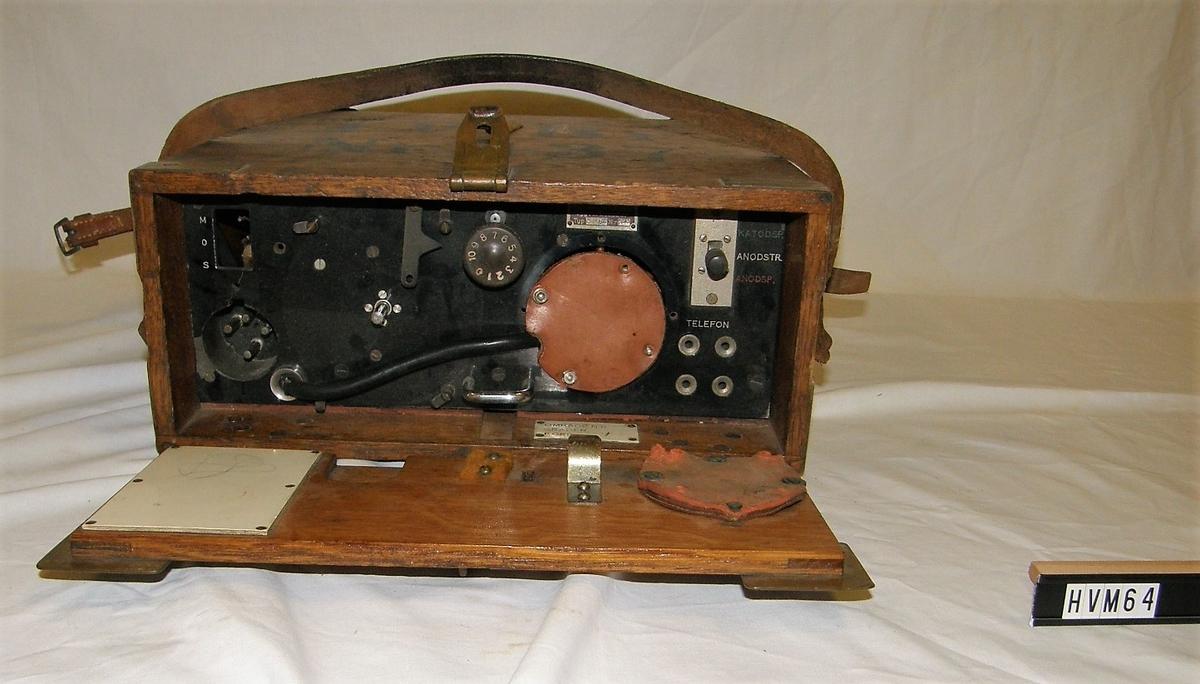 Radio i trälåda