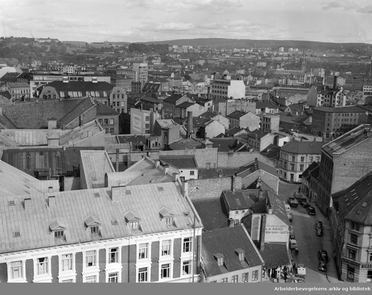 Vaterland sett fra hotell Viking. August 1952.
