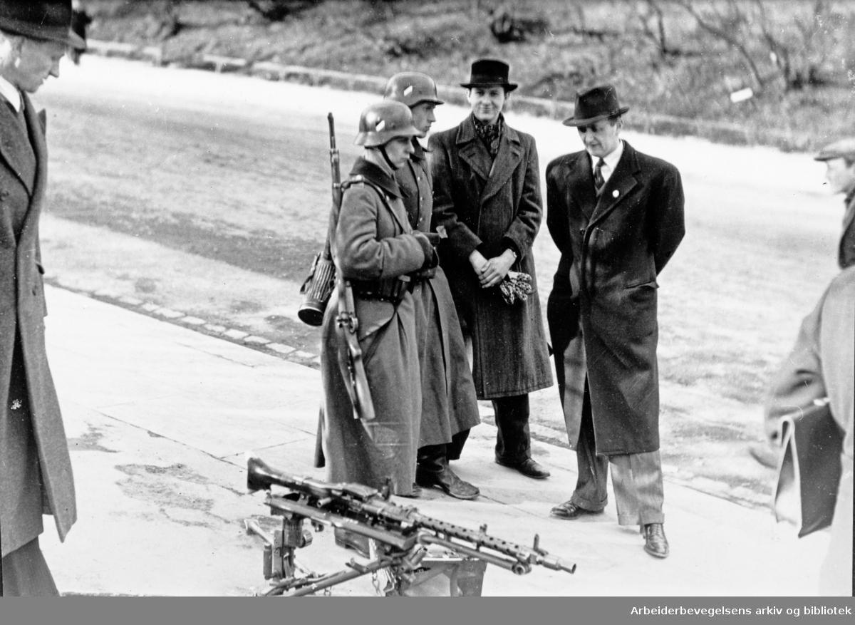 Tyske soldater i Oslos gater, april 1940.