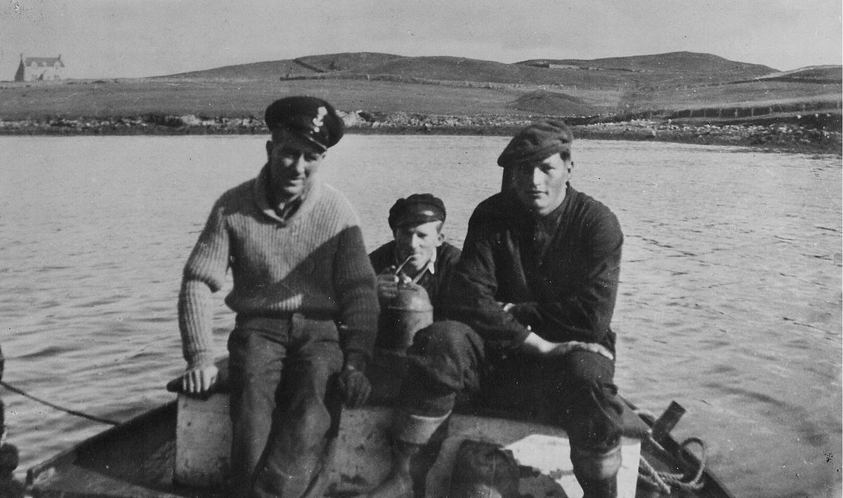 VITA_crew_-_Johansen_Sandvik_Hermansen_at_Lunna_1941.jpg