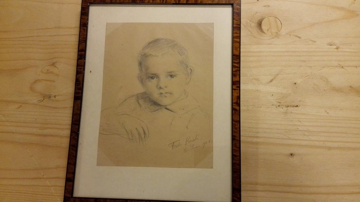 Portrett av ung gut, person ukjendt (23)