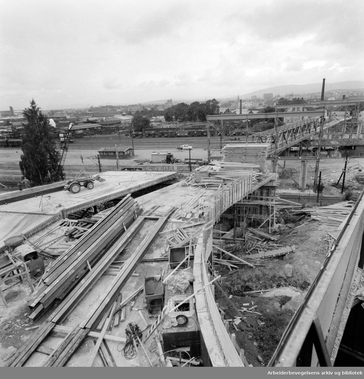 Loengbrua. Ny bru over Loenga under arbeid. Juli 1961
