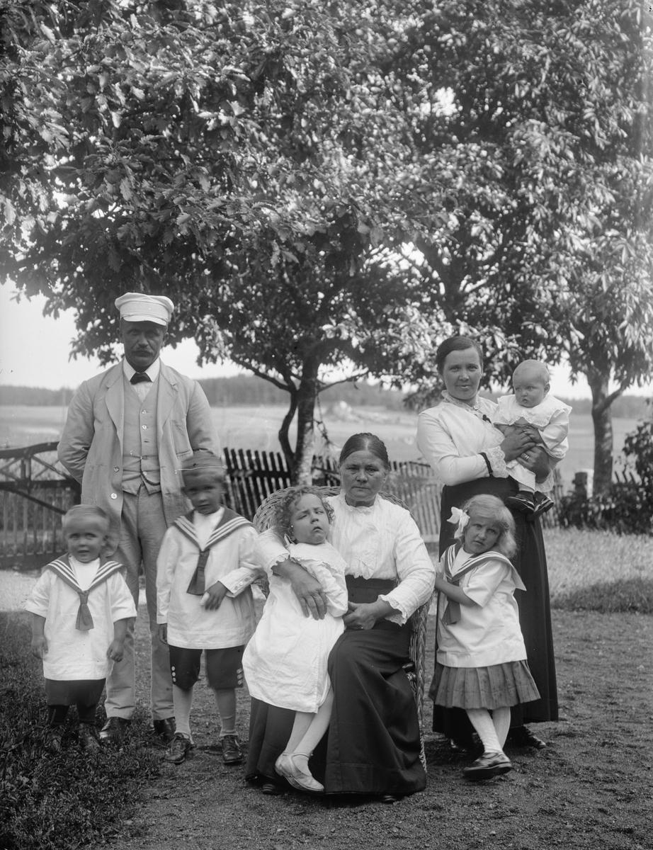 Familjen Edvin Pettersson, Nibble, Torstuna socken, Uppland