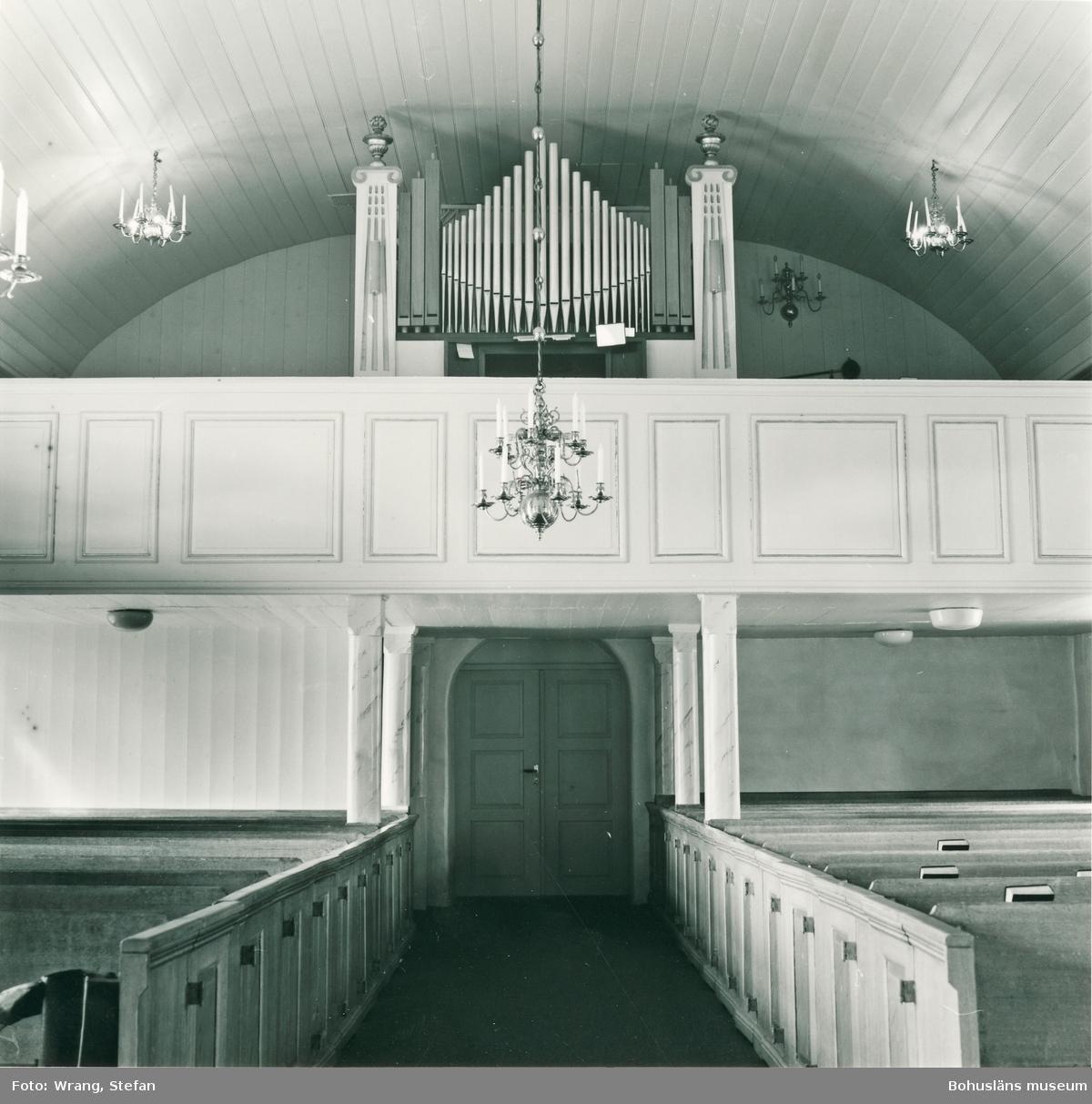 """Text till bilden: """"Sanne kyrka. Interiör mot väster""""."""