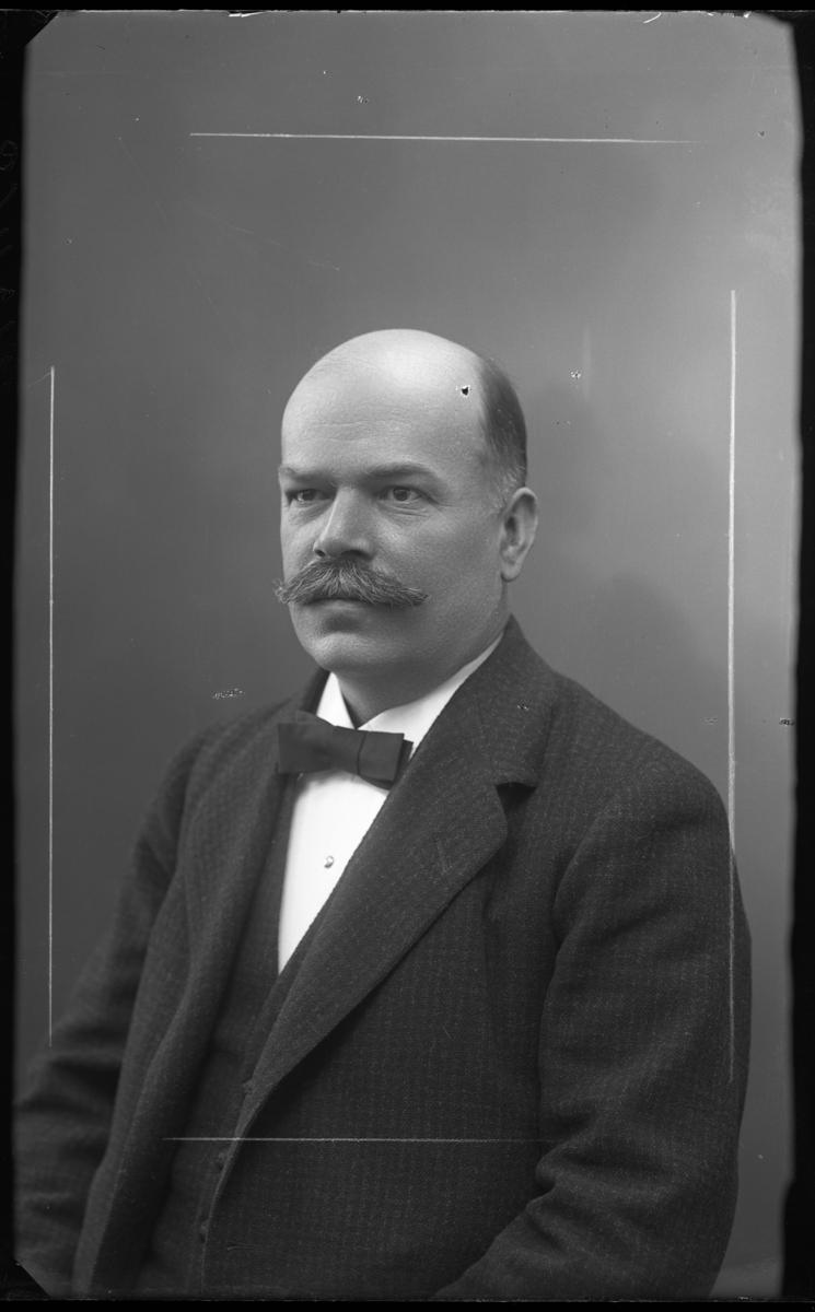 Ingenjör och dosfabrikör Ernst Johansson, Västerås, 1868-1942.
