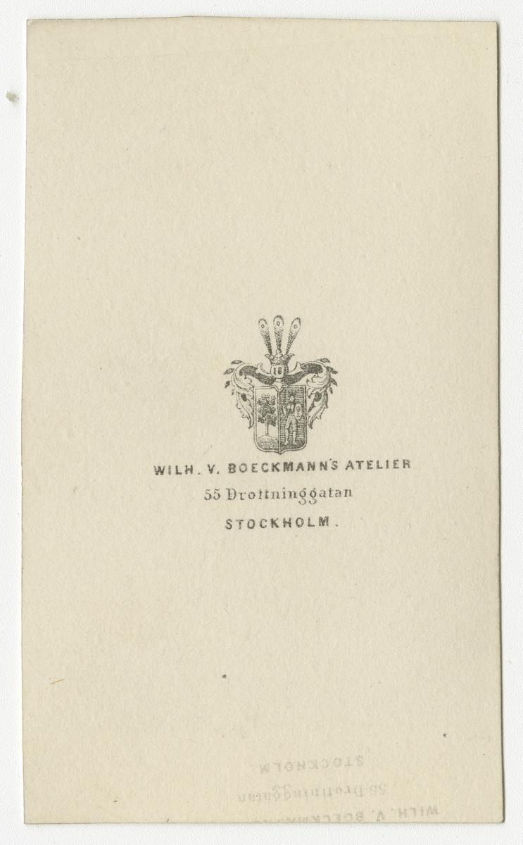 Porträtt av Axel Gabriel Leijonhufvud, sedemera officer vid Livregementets dragoner K 2.  Se även bild AMA.0007829, AMA.0007832, AMA.0007855, AMA.0007900, AMA.0021847 och AMA.0021880.