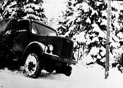Terrängbil m/1942 M, Klöckner. Vinterbild.
