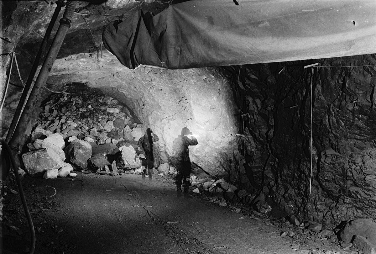 Ort med malm som skall lastas ut, gruvan under jord, Dannemora Gruvor AB, Dannemora, Uppland oktober 1991