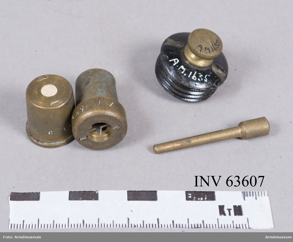 Grupp F II. Till granater till bakladdningskanoner för fästningsartilleriet.