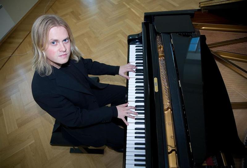 Atmasukha Ananda, den internasjonale pianisten, som til vanlig bor i Selbu.