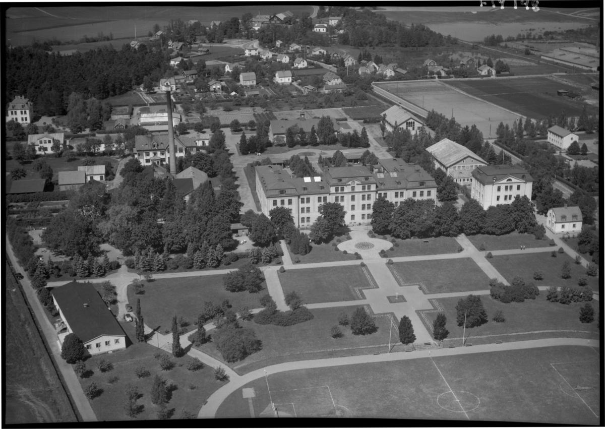 Flygfoto över Salberga sjukhus, Sala. Tagen 1959 av AB Flygtrafik Dals Långed.
