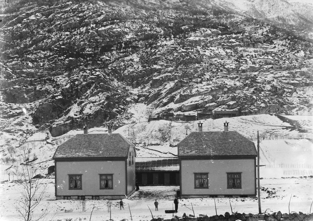 Anleggstida, Odda Smelteverk AS, arbeidarbustadar, Nyland, Hjøllo