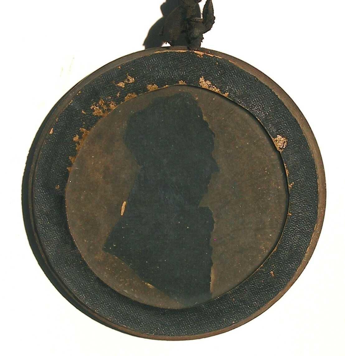 Silhouett av ukjent mann, ca. 1800. Sort  papir.