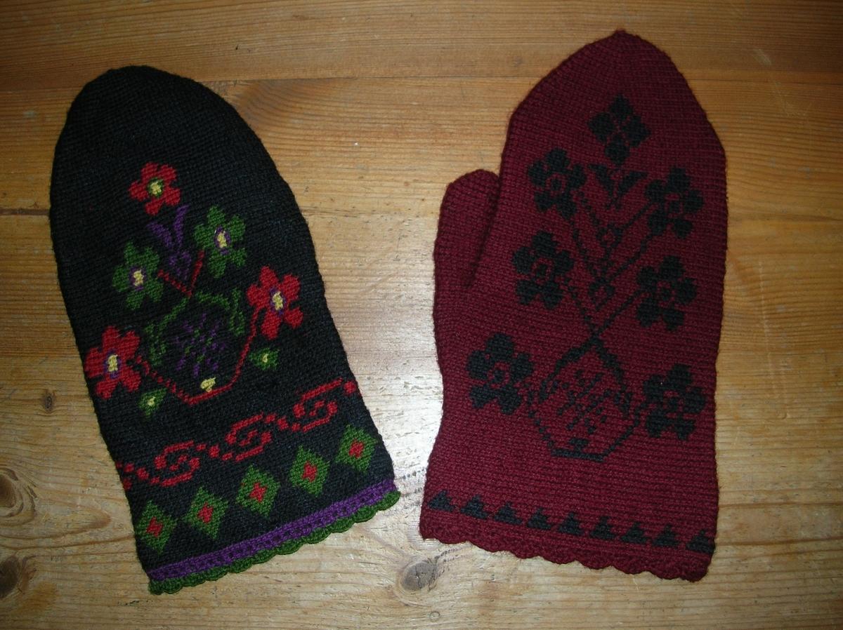 flerfärgsvirkade vantar1 med svart botten, mönster i grönt,lila,vitt och rött. 1 med röd botten och svart mönster. uddvirkad vantkrage på båda