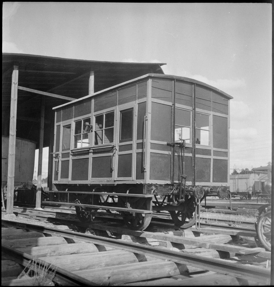 Ombyggd personvagn för kungligt bruk.
