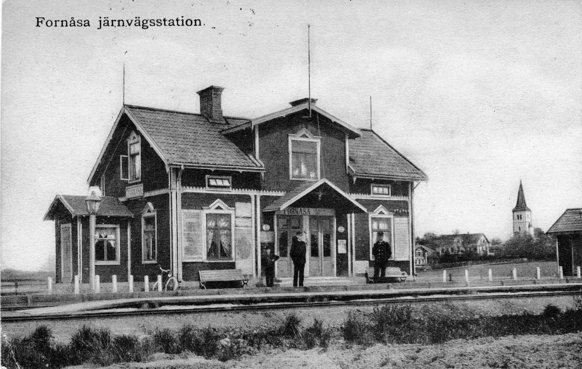 Järnvägsstation i Formåsa. Stationen anlades 1897. Vid järnvägsspåret mellan Linköping-Bränninge-Klockrike-Fornåsa-Fågelsta