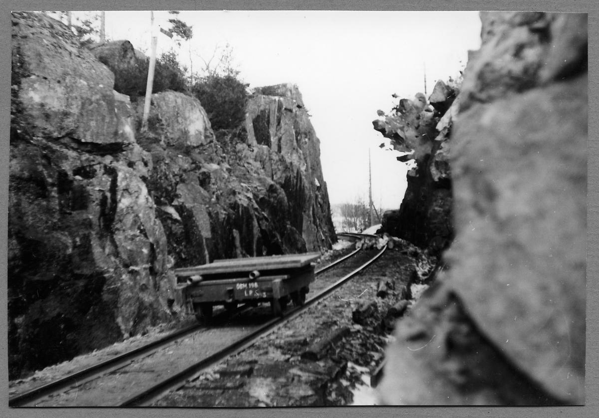 Sprängningsarbete på linjen mellan Hjorted och Totebo.