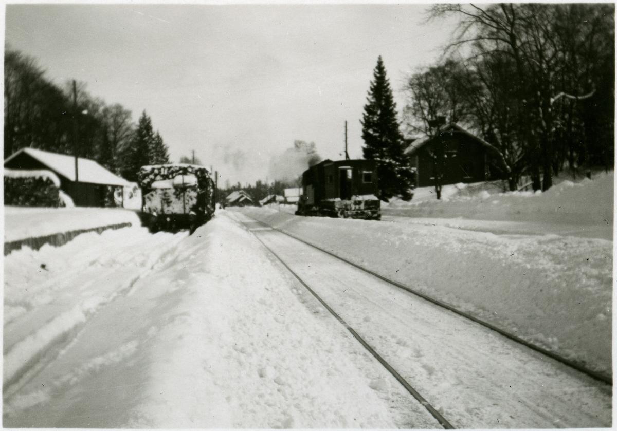 Text på bilden - Mullsjö bangård 1931.