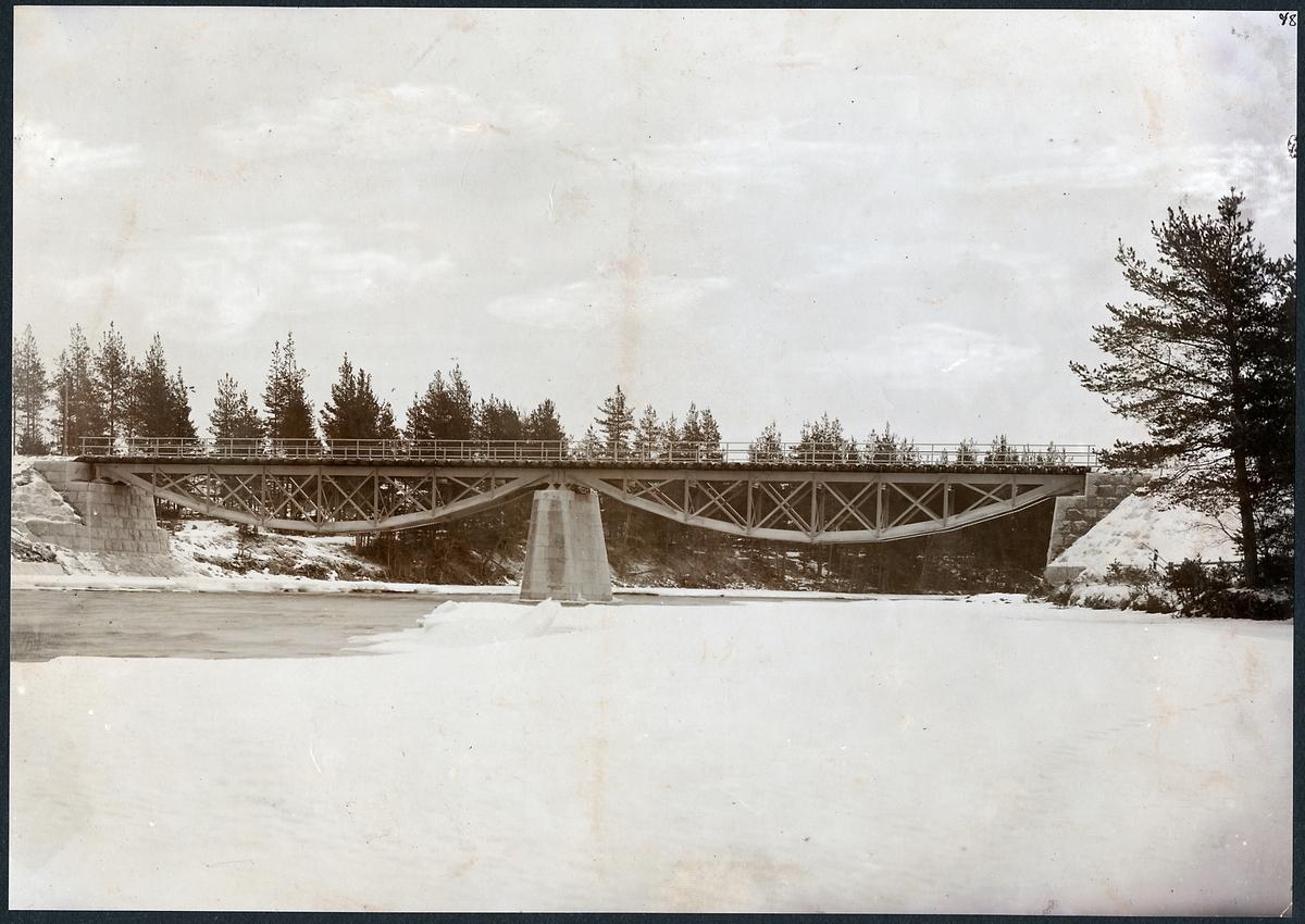 Järnvägsbro över Ore älv på linjen mellan Orsa och Tallhed.
