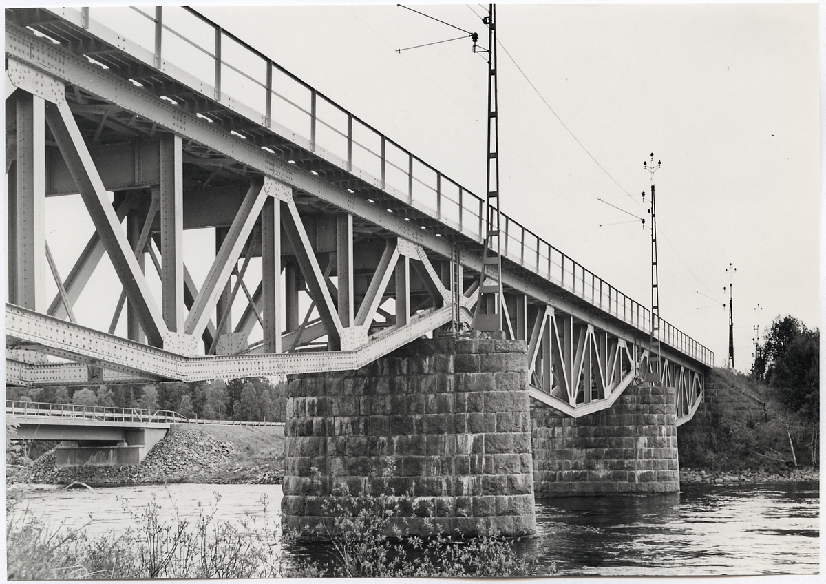 Järnvägsbro över Tångböle älv på linjen mellan Duved och Storlien gränsen.