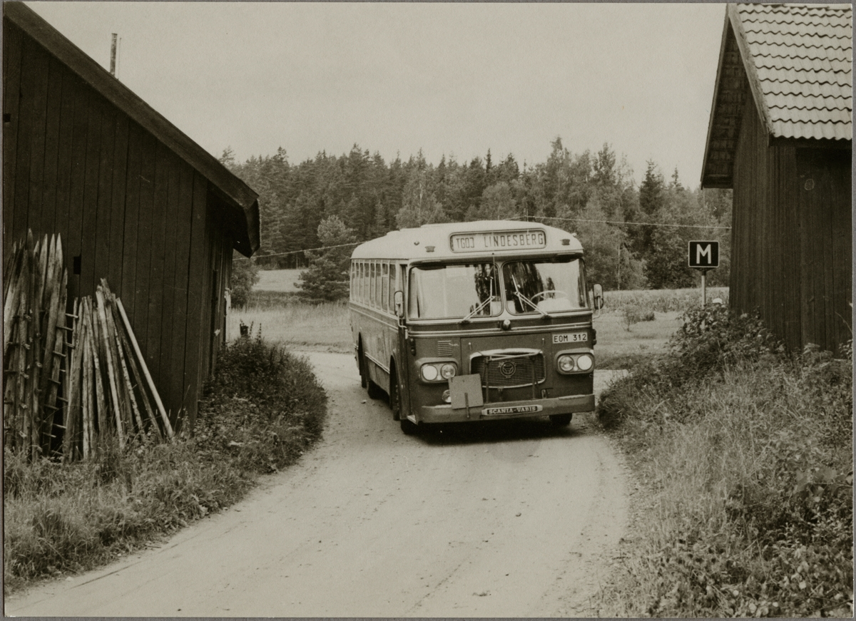 Trafikaktiebolaget Grängesberg - Oxelösunds Järnvägar, TGOJ buss 75 med destination Lindesberg.