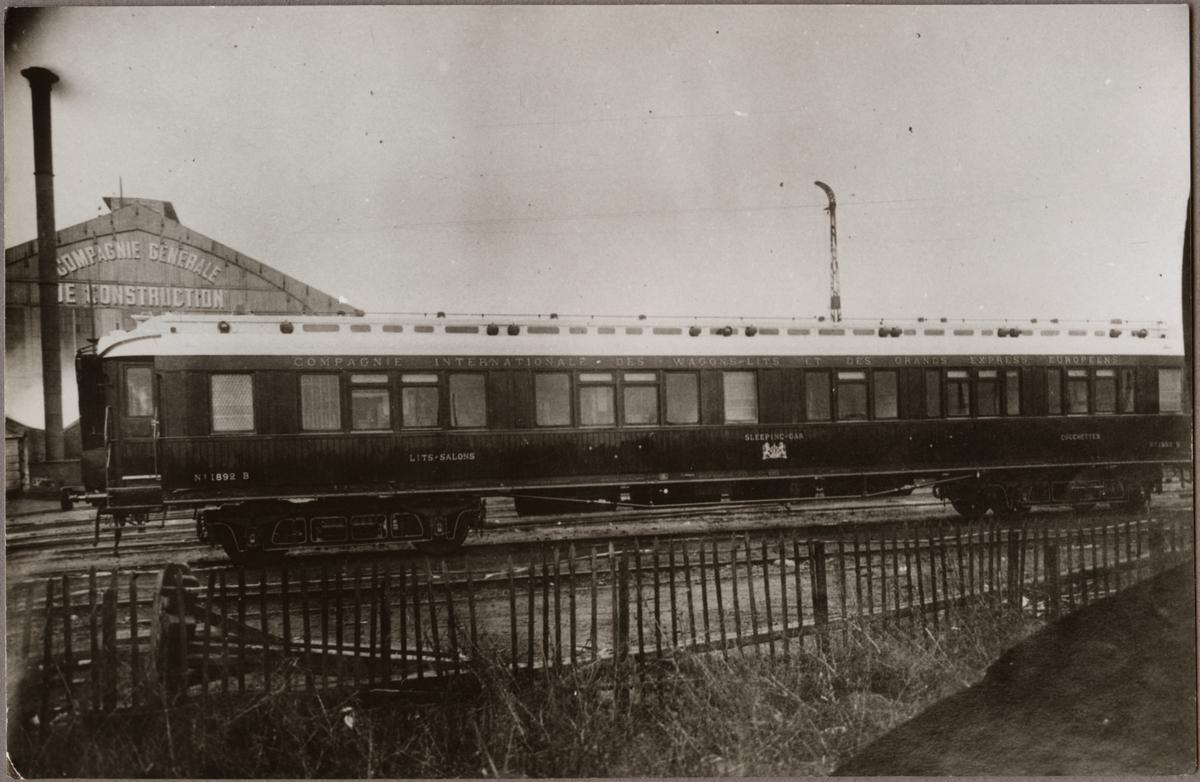 Salongs- och sovvagn tillhörande Compagnie Internationale des Wagons-Lits. CIWL B 1892.