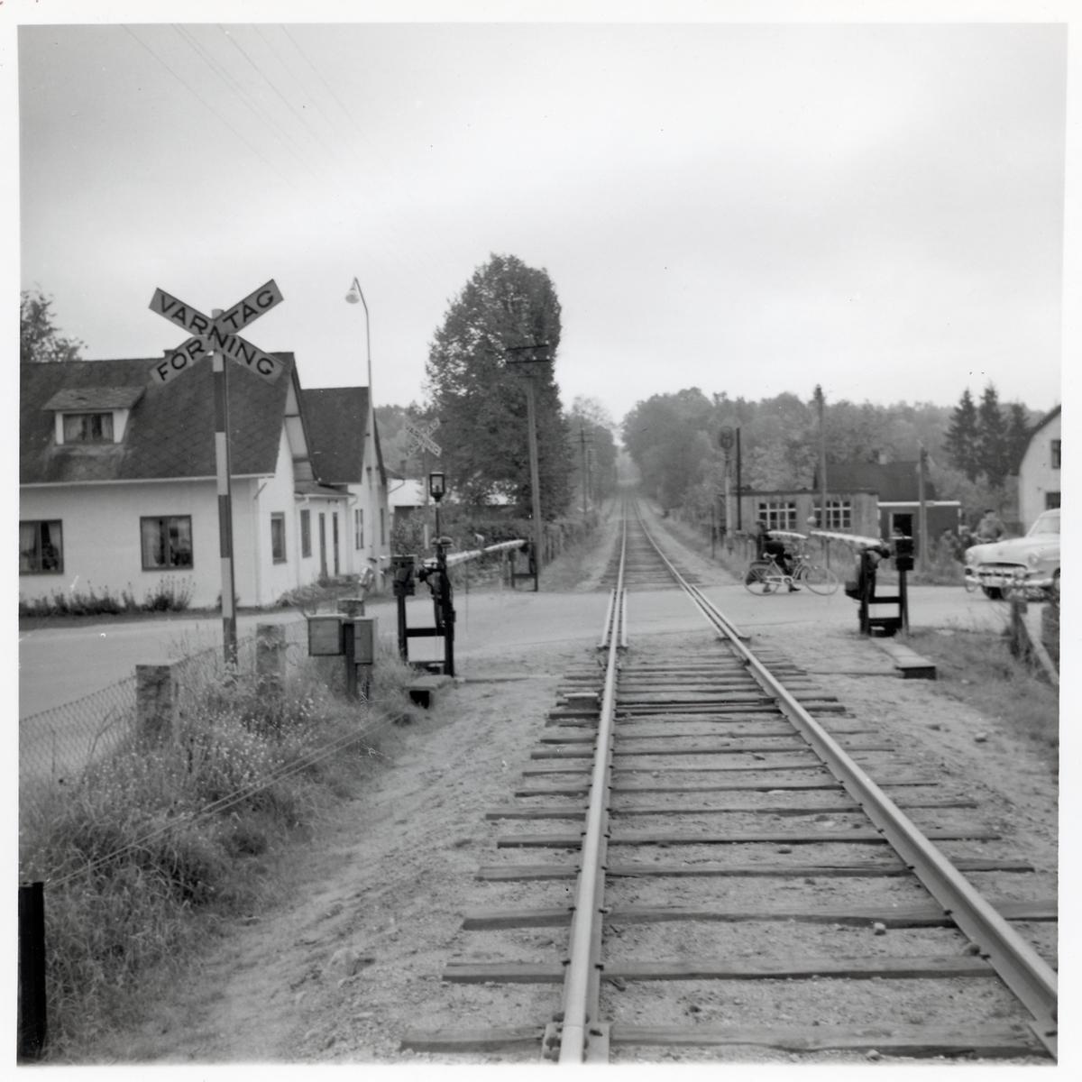 Järnvägsövergång i Glimåkra på sträckan mellan Älmhult och Sibbhult.
