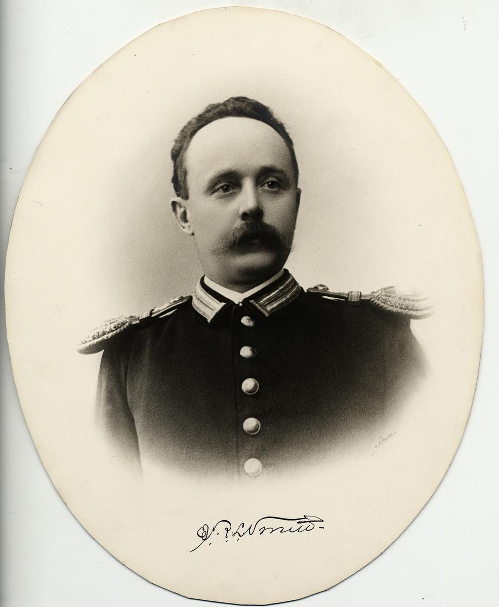 Ernst Richard Leonard Smitt född 28/11 1861baningenjör vid II distr 1/2 1889
