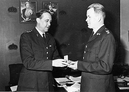 Avtackning av förste armétekniker Sven Mohlin, A 6.