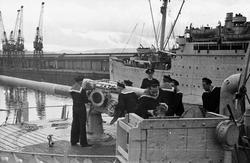 """""""4"""" Kanoneksersis ombord i  S/S 'Bergensfjord' 1944"""