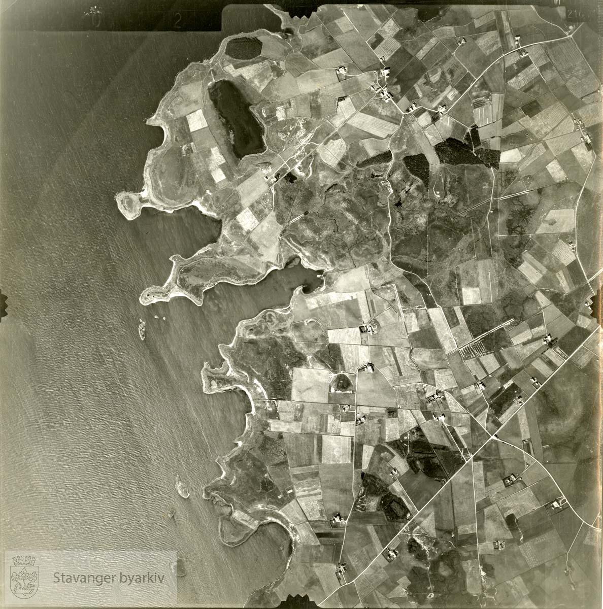 Jfr. kart/fotoplan A(III) 5/302..Orrevatnet..Se ByStW_Uca_002 (kan lastes ned under fanen for kart på Stavangerbilder)