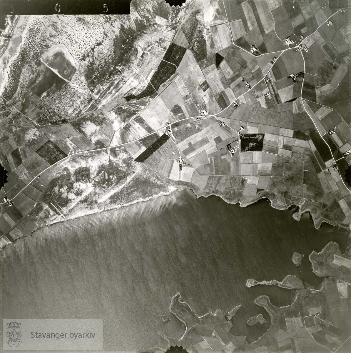 Jfr. kart/fotoplan A(III) 8/305..Orrevatnet..Se ByStW_Uca_002 (kan lastes ned under fanen for kart på Stavangerbilder)