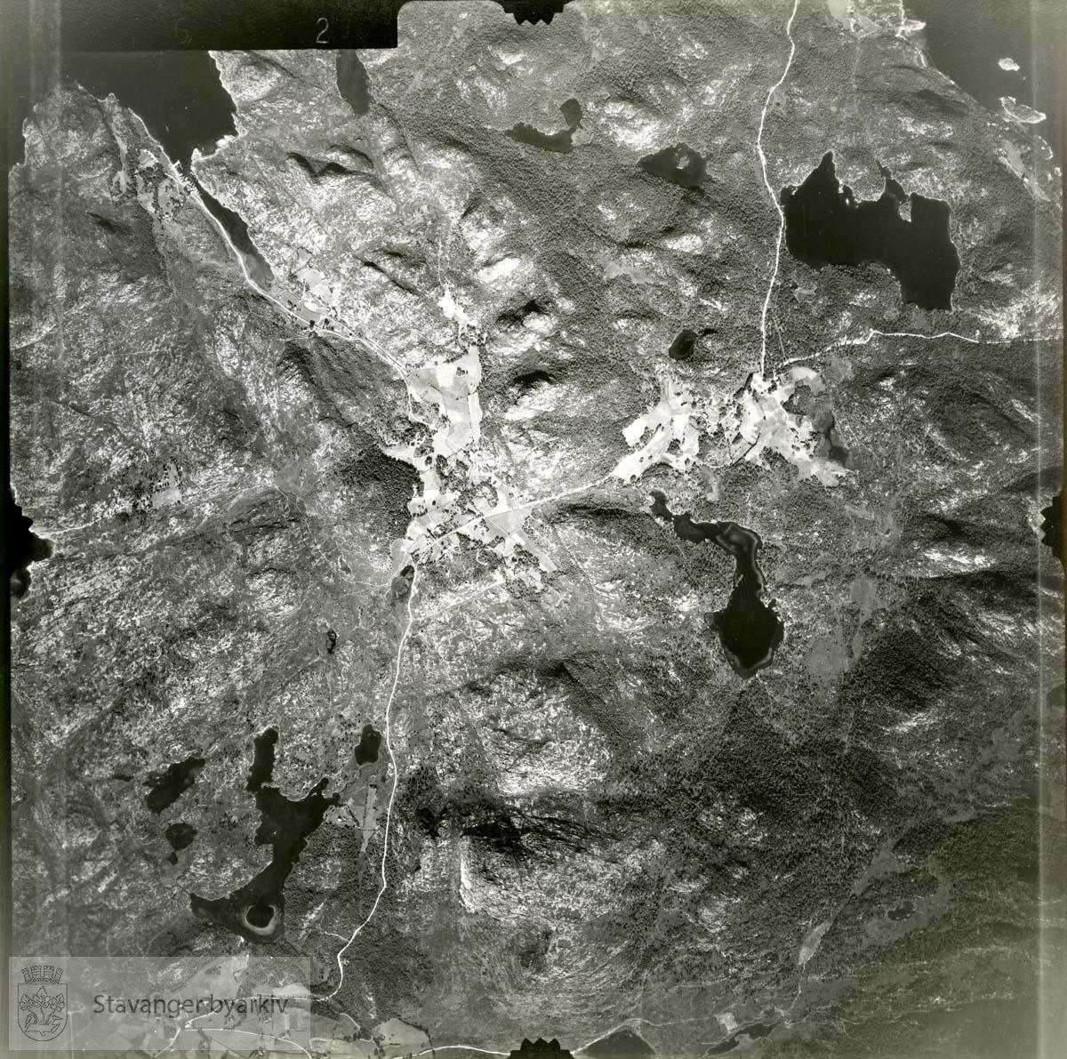 Jfr. kart/fotoplan I23/662..Eltravågvatnet, Nordavatnet..Se ByStW_Uca_002 (kan lastes ned under fanen for kart på Stavangerbilder)