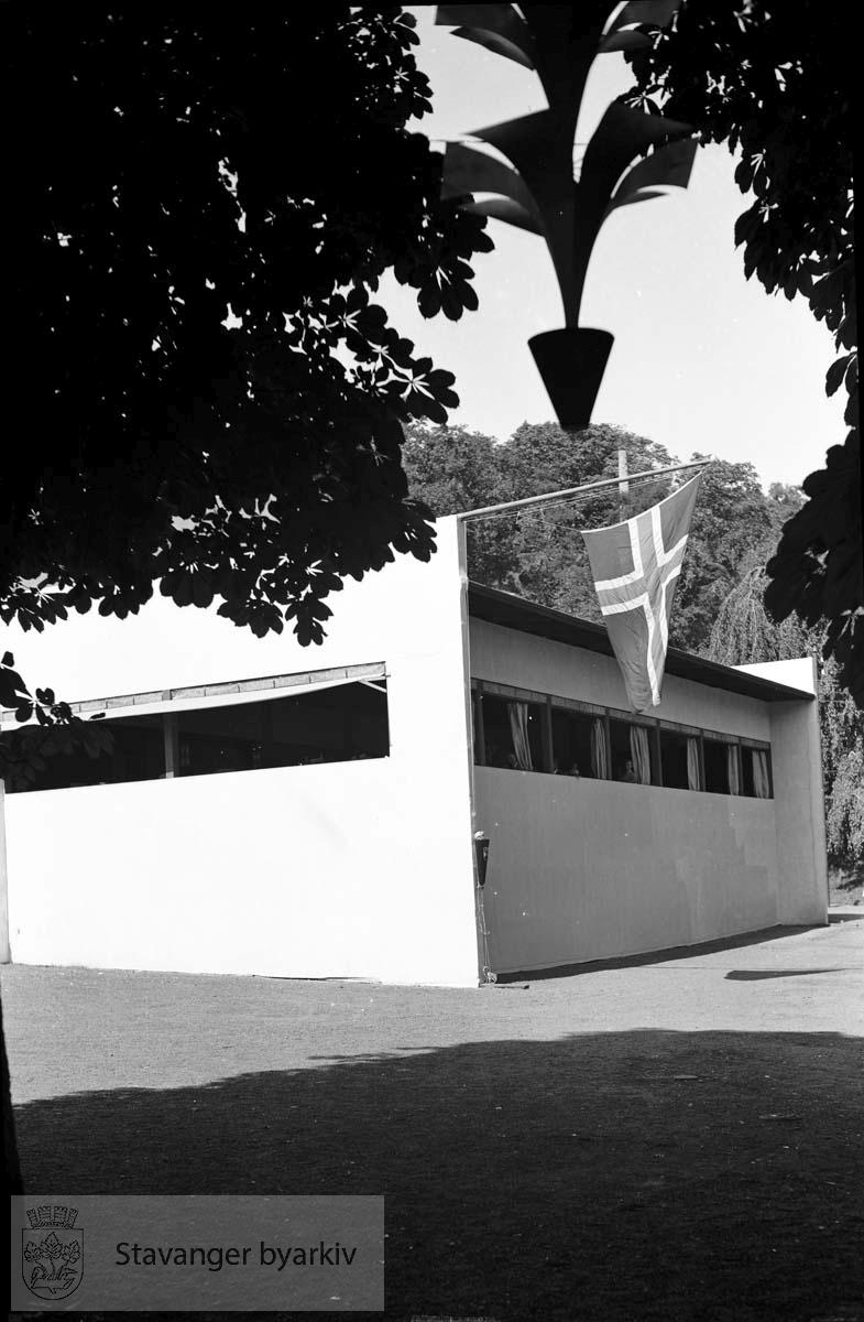 Varemessens egne filmer, fra Bjergsted.. .Norges varemesse