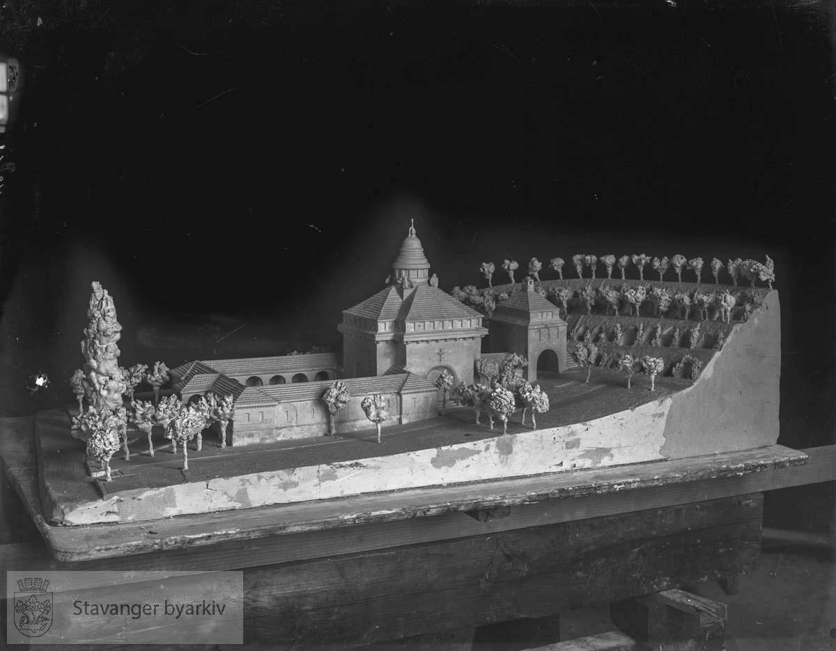 Modell av krematoriet ved Eiganes gravlund.