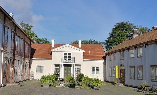 Privaten sett fra tunet på Ringve. Foto: Ringve Musikkmuseum (Foto/Photo)