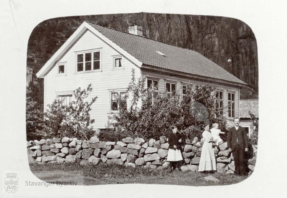 Skolehuset på Kvanvik