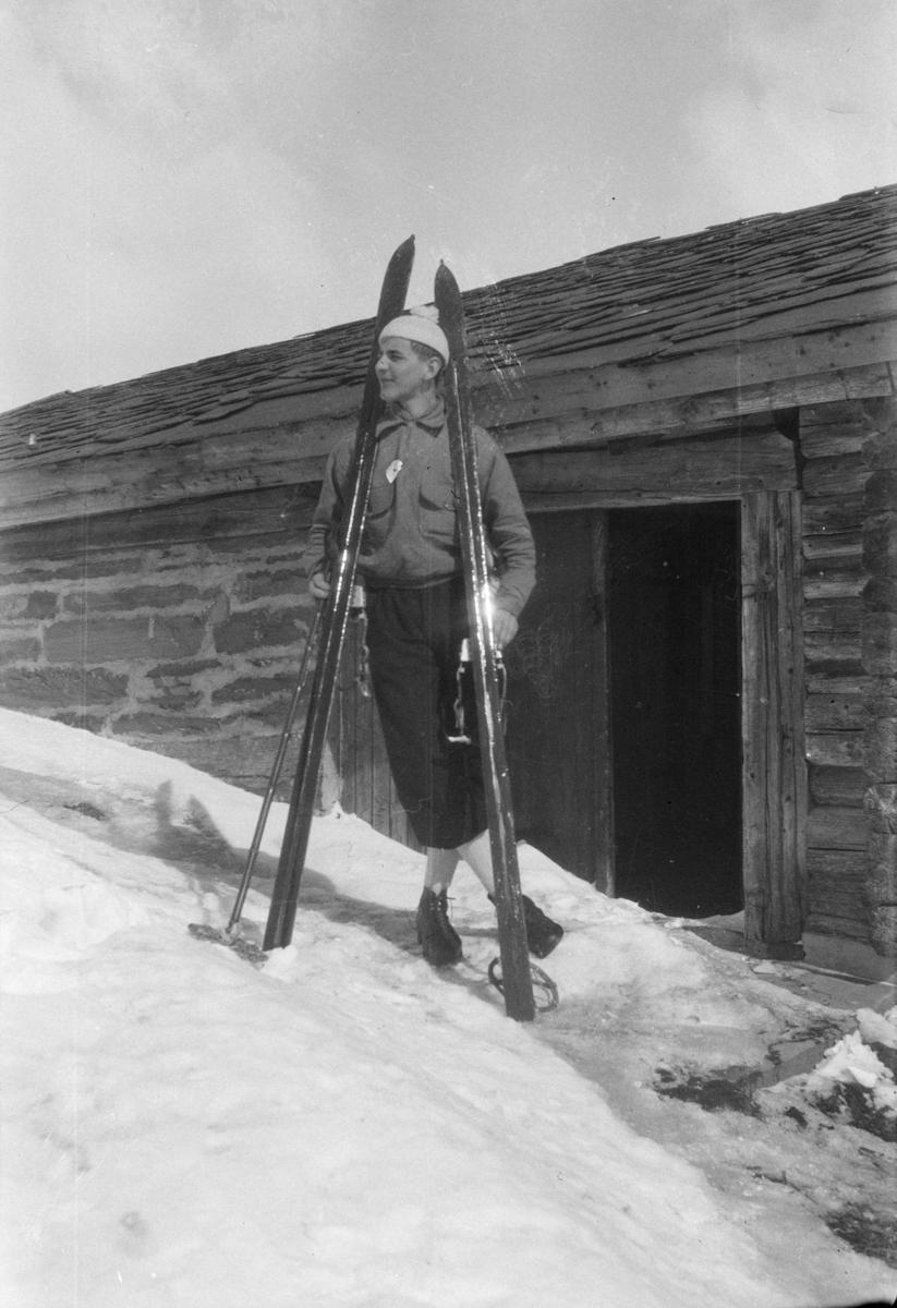 Bjarne Wold på Frøyse-setra i påska